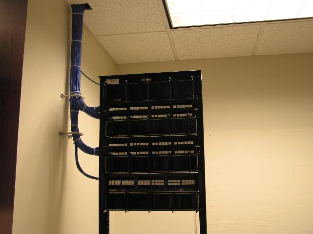 Patch Panel.jpg (32581 bytes)